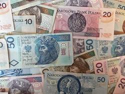 Dinero en varsovia moneda bancos y oficinas de cambio for Oficinas de cambio de moneda en barcelona